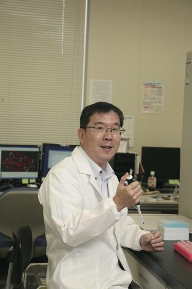 ディスプレイの先に新薬を見つめて 藤田 典久
